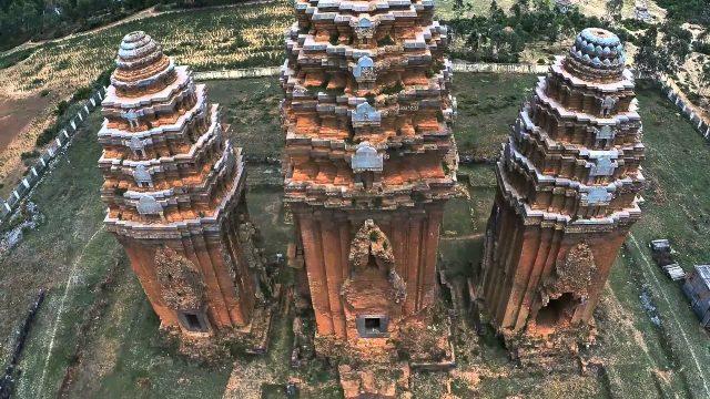 Quần thể gồm ba tòa tháp (Ảnh ST)