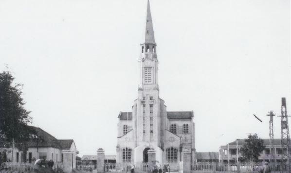 Nhà thờ Chánh tòa Quy Nhơn xưa (Ảnh ST)