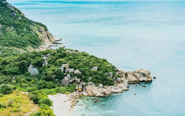 Hòn Rùa điểm du lịch Cam Ranh (Ảnh ST)