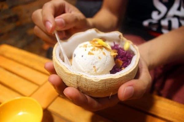 Kem xôi dừa Thái Lan (Ảnh ST)