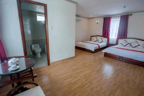 Không gian phòng nghỉ tại Thái Hoàng Gia rộng rãi, thoáng mát