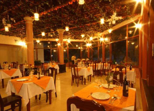 Nhà hàng Sông Xanh có lối kiến trúc sang trọng