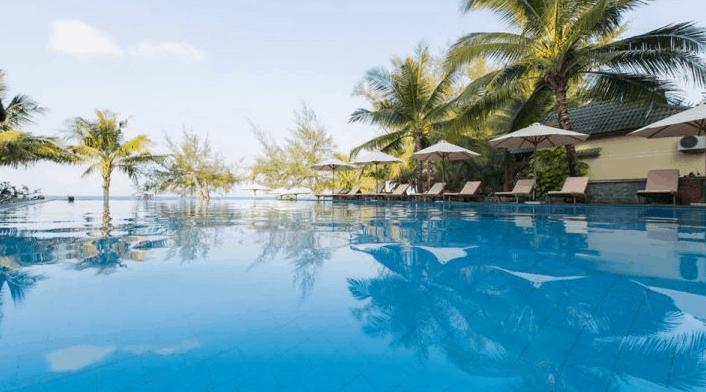 Khu bể bơi ngoài trời tại Ancarine Beach Resort