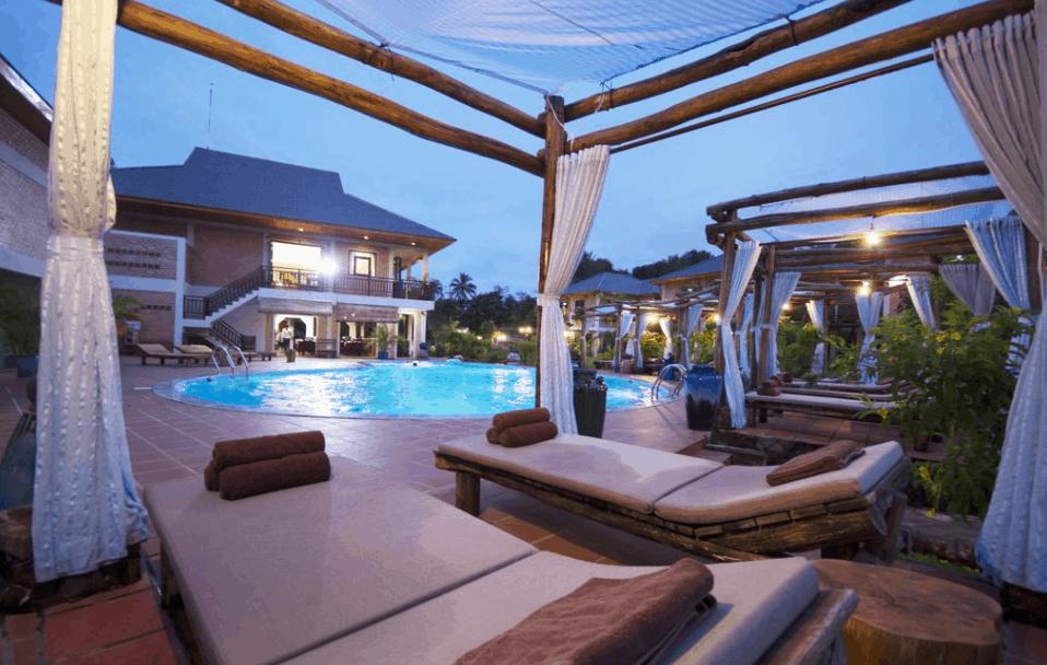 Khu bể bơi ngoài trời lý tưởng tại Vela Phu Quoc