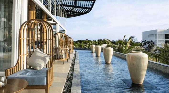 Khu thư giãn tại Sol Beach House Resort