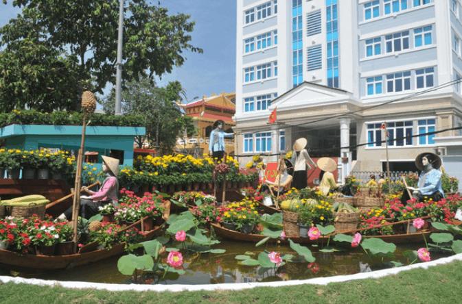Mô hình chợ hoa nổi tại đường hoa nghệ thuật Cần Thơ