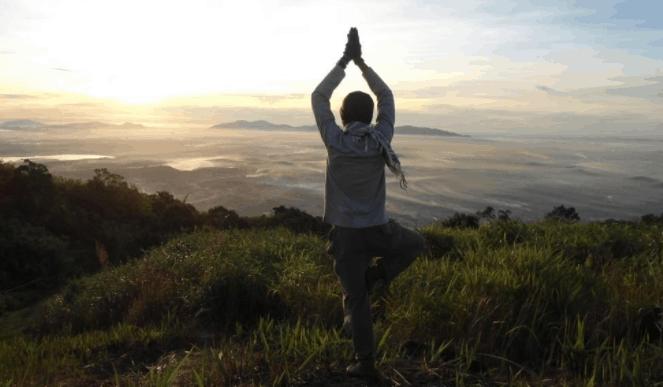 Ngắm bình minh trên núi Chứa Chan