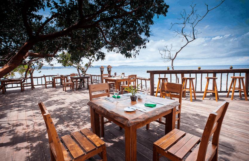 Nhà hàng ngoài biển cao cấp