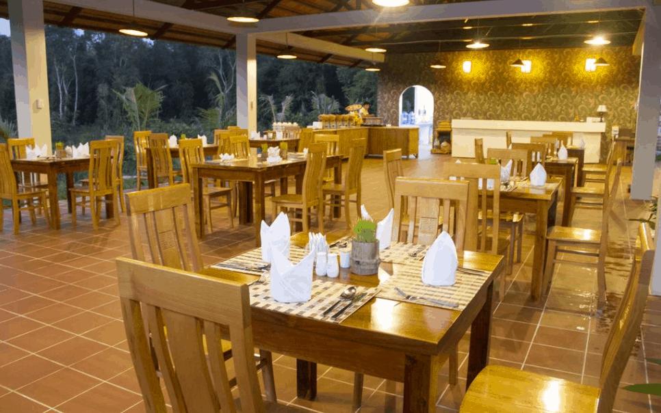 Nhà hàng cao cấp tại Ong Lang Village