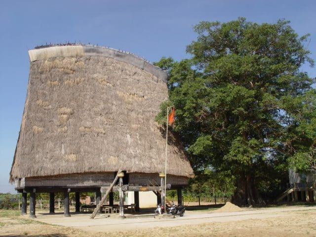 Nhà rông niềm hãnh diện của người dân Tây Nguyên (Ảnh ST)