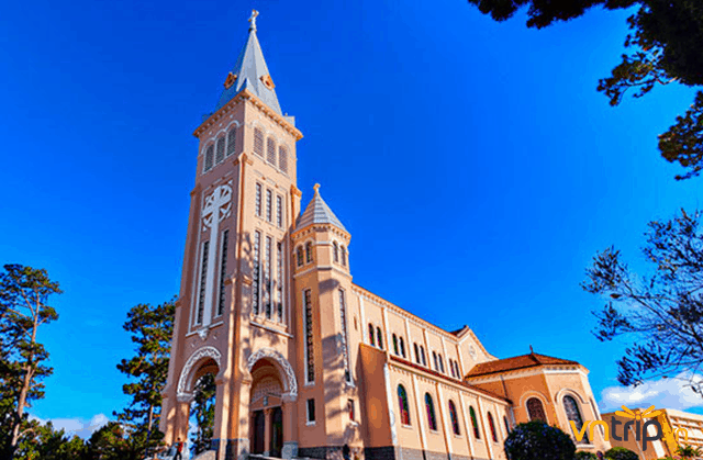 Nhà thờ con gà: Nét Âu cổ kính trong lòng Đà Lạt - Vntrip.vn