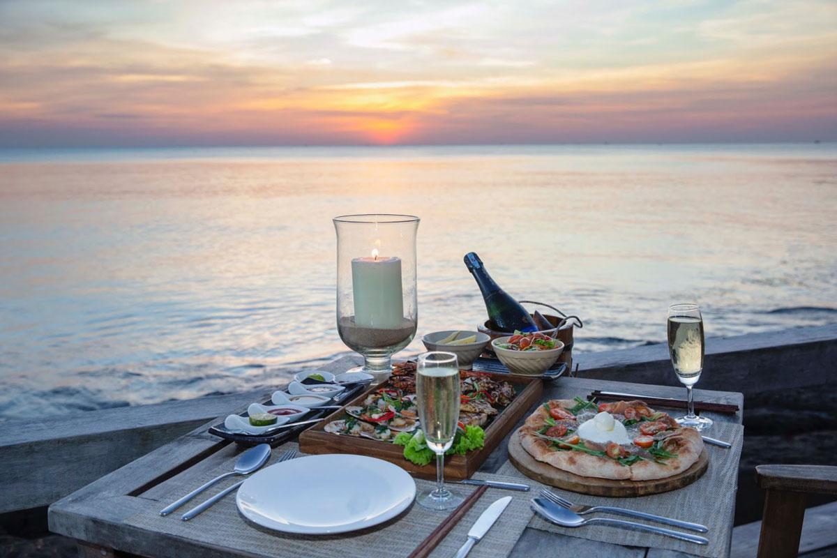 Nhà hàng On The Rock – Mango Bay Resort