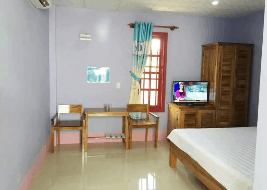 Phòng nghỉ tại khách sạn Hà Phát được trang bị đầy đủ đồ dùng