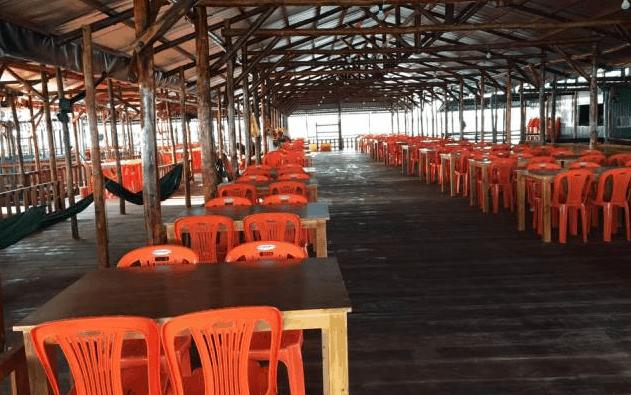 Hình ảnh quán ăn tại làng bè Gò Găng