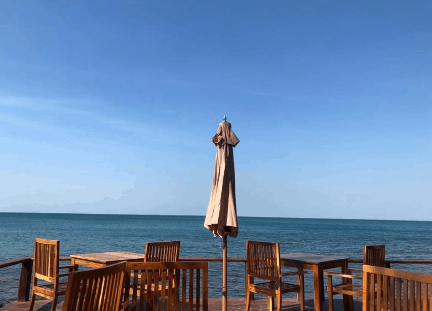 Quán cafe gần biển có view đẹp tại Camia Resort & Spa