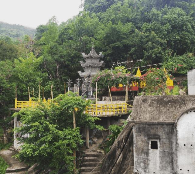 Quang canh thiên nhiên chùa Gia Lào