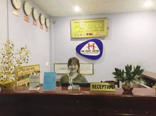 Quầy lễ tân ở khách sạn Hà Phát Phú Quốc