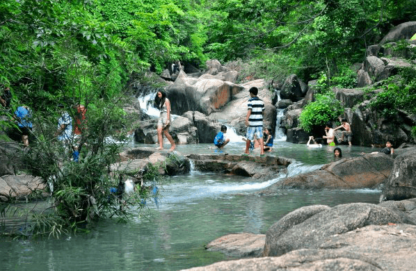 Suối Đá Bàn - Địa điểm dã ngoại lý tưởng