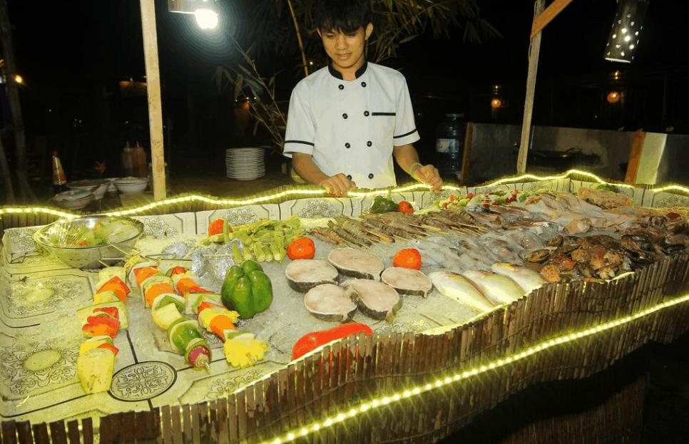 Tận hưởng hải sản tươi ngon tại resort Phú Quốc Dragon