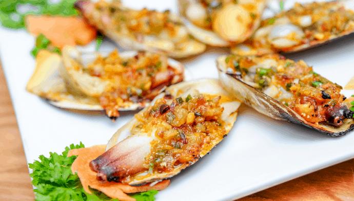 Tận hưởng những món hải sản tươi ngon tại Gành Hào