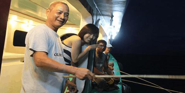 Trải nghiệm hoạt động câu mực đêm tại Hòn Thơm - Phú Quốc