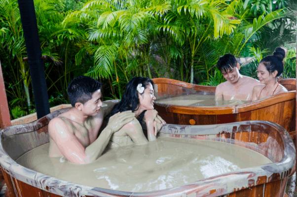 Trải nghiệm những phút giây tuyệt vời khi tắm bùn khoáng nóng
