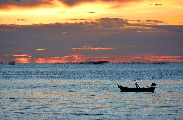 Du lịch Pattay ghé thăm vịnh Naklua (Ảnh ST)