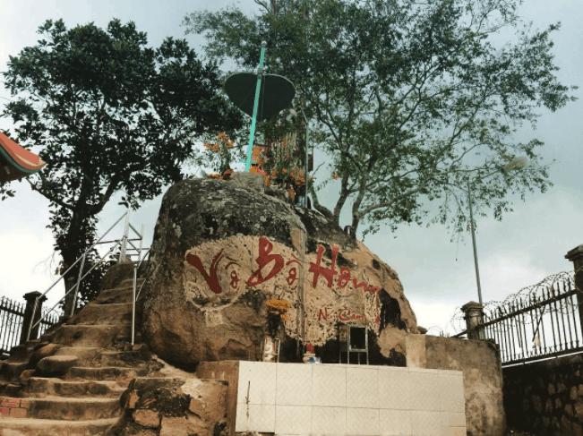 Vồ Bồ Hòn - núi Cấm