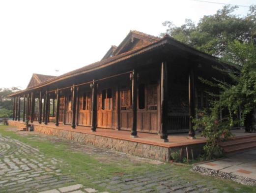 Những gian nhà cổ