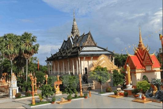 Chùa Xiêm Cán mang kiến trúc Angkor của người Campuchia