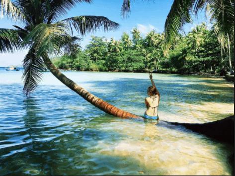 Bãi tắm đẹp ở đảo Nam Du