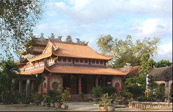 Ngôi chùa đơn sơ nhưng yên tĩnh, thanh bình