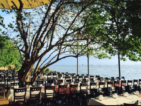 Nhà hàng Gành Hào hướng biển cùng thực đơn hấp dẫn