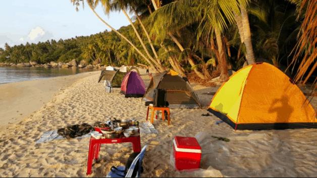 Cắm trại bên bờ biển Nam Du