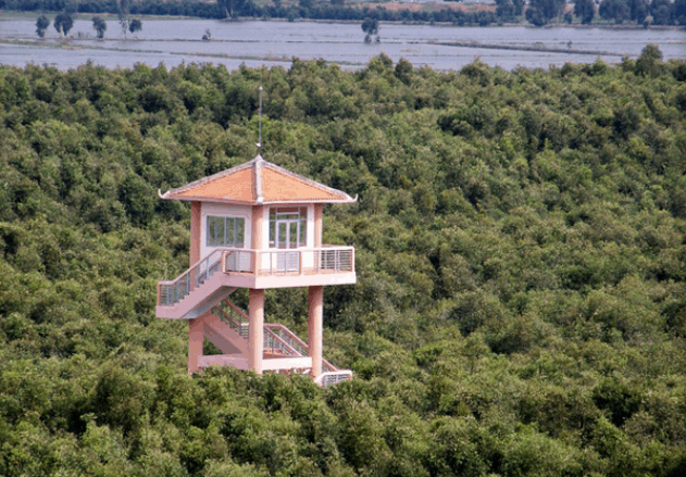 Đài quan sát cao 38m