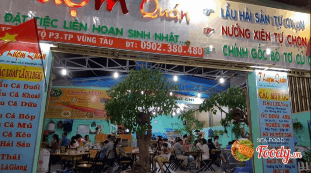 Quán 7 Lượm phục vụ thực khách các món hải sản