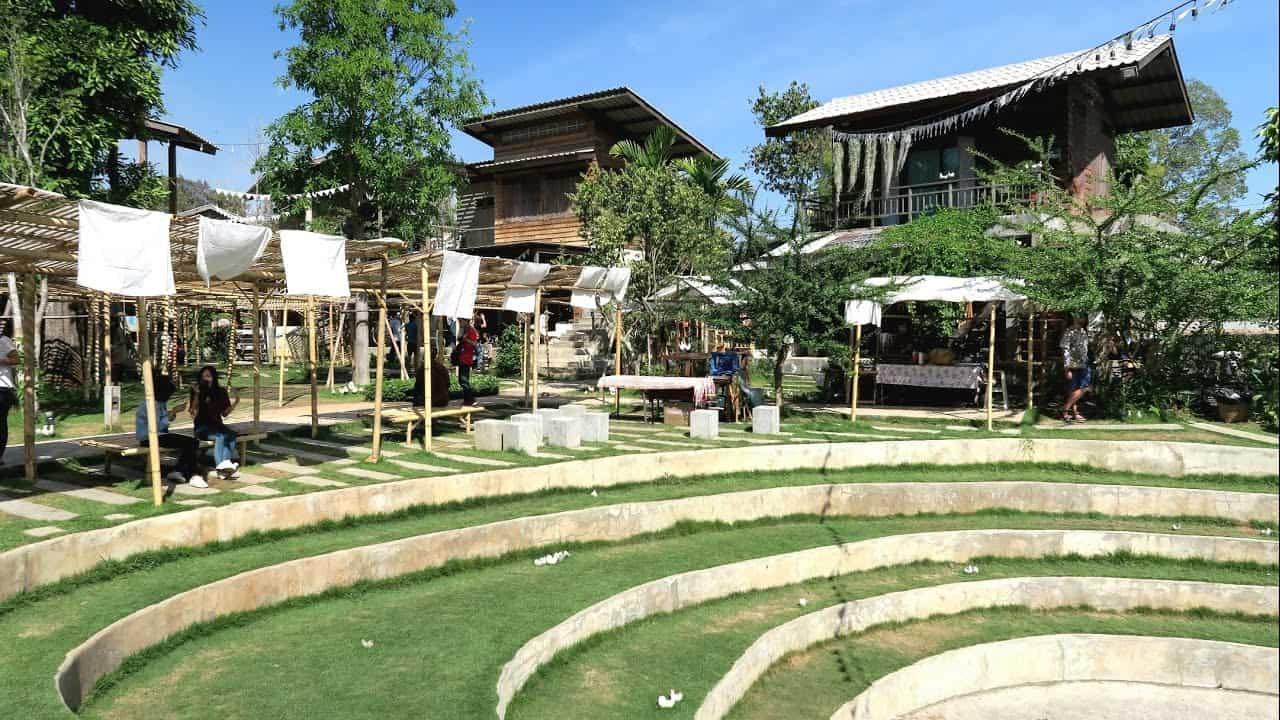Ngôi làng nổi tiếng Baan Kang Wat (Ảnh ST)