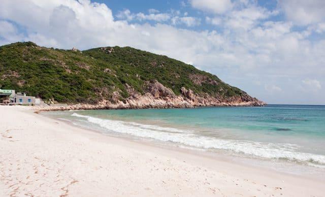 Biển Sa Huỳnh xinh đẹp (Ảnh ST)