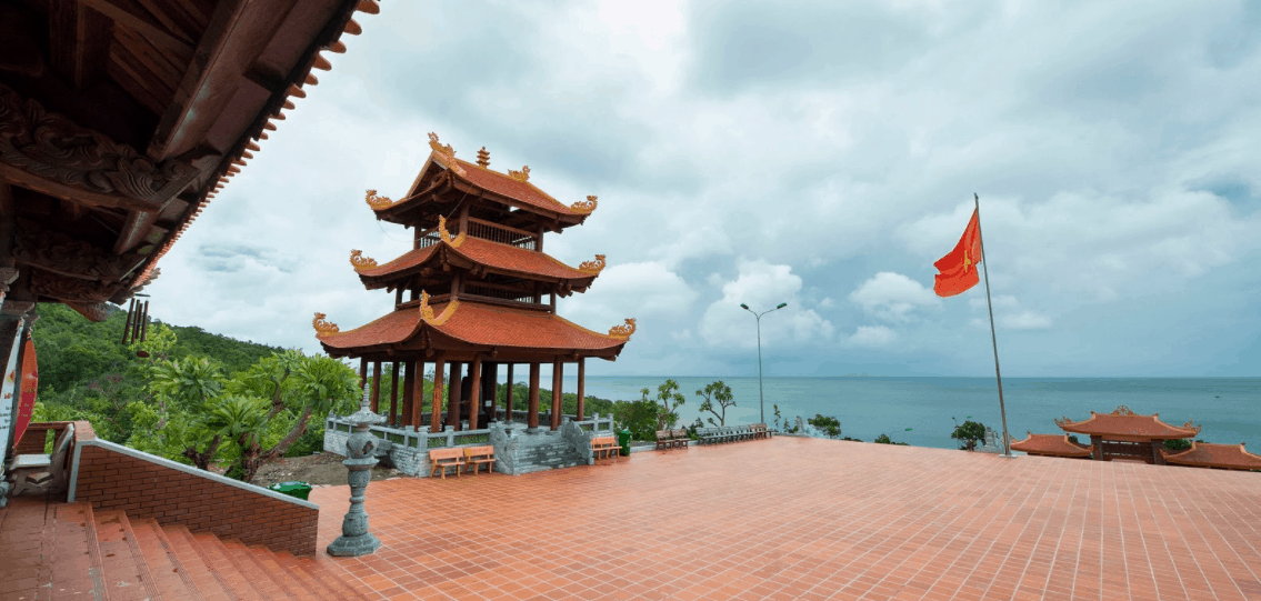 Cảnh đẹp tại chùa Hộ Quốc