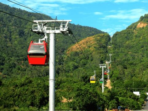 Hình ảnh cáp treo núi Cấm
