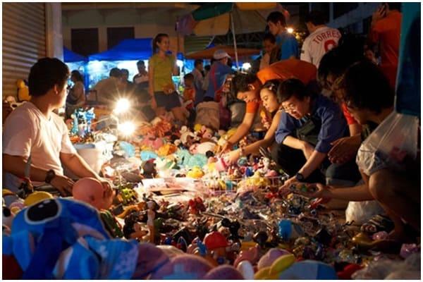 Chợ Khlong Thom – chợ đèn pin (Ảnh ST)