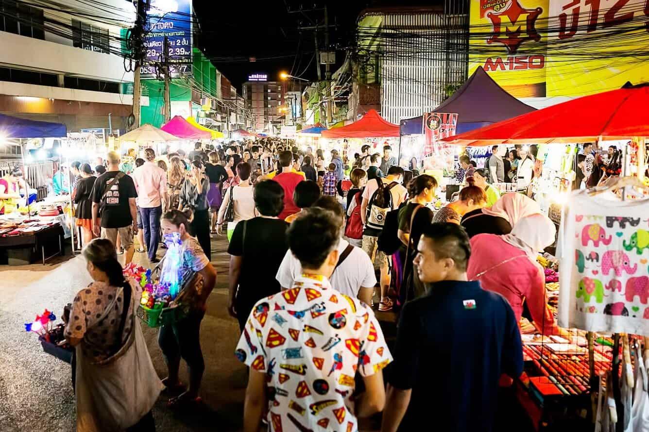 Chợ đêm Bazaar Chiang Mai (Ảnh ST)