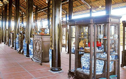 Di tích lịch sử nhà cổ Trăm Cột