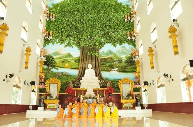 Hình ảnh chánh điện chùa Vạn Linh