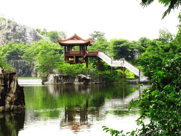 Hình ảnh chùa một cột tại khu du lịch Núi Sập
