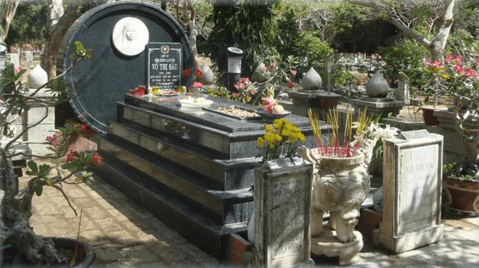 Hình ảnh mộ chị Võ Thị Sáu tại nghĩa trang Hàm Dương