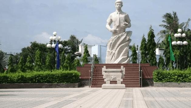 Hình ảnh tượng đài Nguyễn Thái Bình tại Cần Giuộc