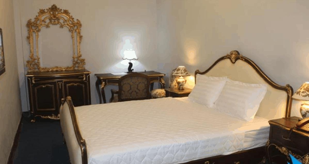Khách sạn NewSun có lối kiến trúc hoàng gia Châu Âu đẹp mắt