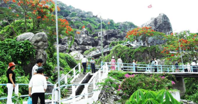 Khám phá khu du lịch Núi Sập