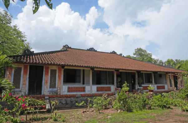 Khám phá kiến trúc nhà cổ Trăm Cột